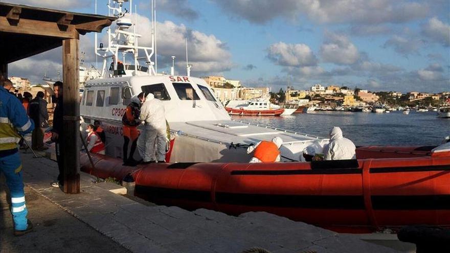 Supervivientes aseguran que al menos 200 inmigrantes murieron al sur de Sicilia