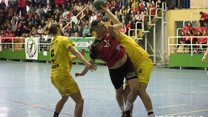 Lance de un partido del Cajasur Córdoba BM de la pasada temporada | TONI BLANCO