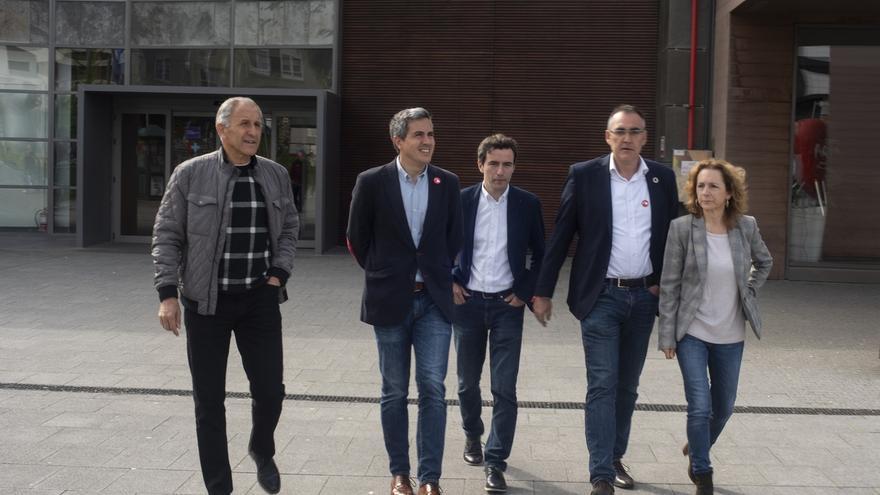 Zuloaga y Casares coinciden en que Sánchez ha demostrado su compromiso con la sanidad cántabra y Valdecilla