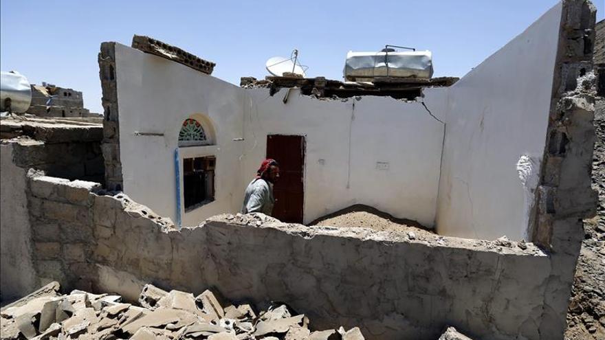 La coalición árabe lanza más de 50 ataques aéreos contra los hutíes en el Yemen