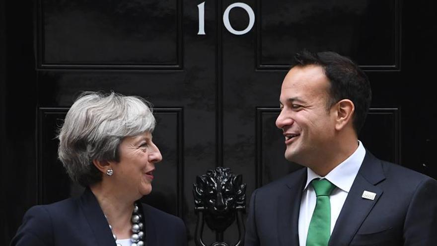 Dublín ofrecerá concesiones a May para solucionar la frontera norirlandesa, según diario