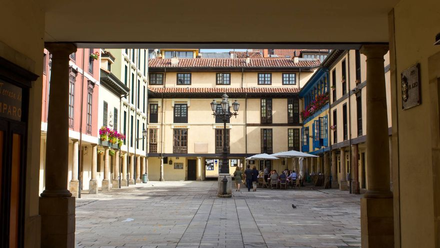 Portal de la Plaza del Fontán, en el casco histórico de Oviedo.