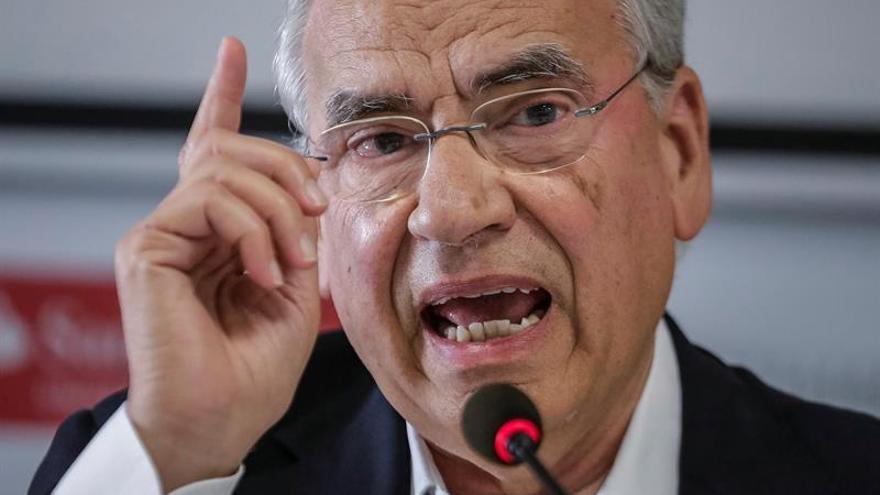 """Guerra aboga por una """"abstención general"""" pero sin dar """"carta blanca"""" a Rajoy"""