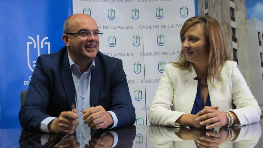 Anselmo Pestana y Nieves Lady Barreto, este martes en el Cabildo.