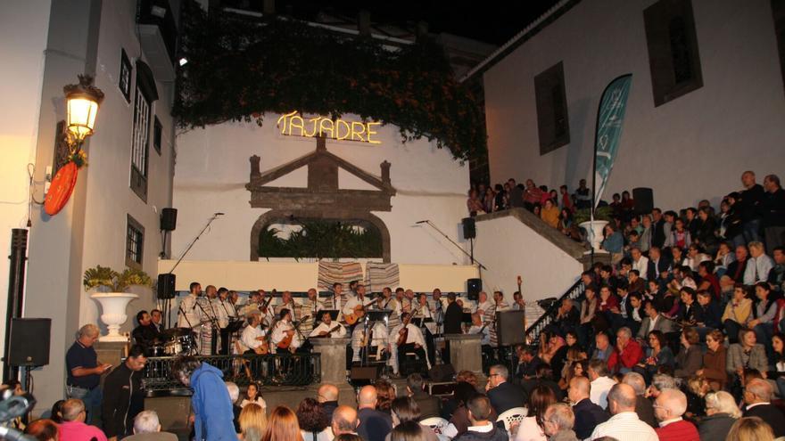 El concierto de Tajadre ha llenado este sábado la plaza de España. Foto. JOSÉ AYUT.