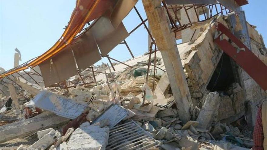 Escombros de un hospital de MSF atacado en Damasco   EFE