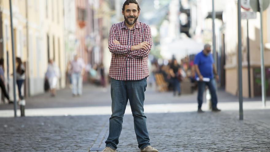 Retrato de Rubens Ascanio, en una calle del casco antiguo