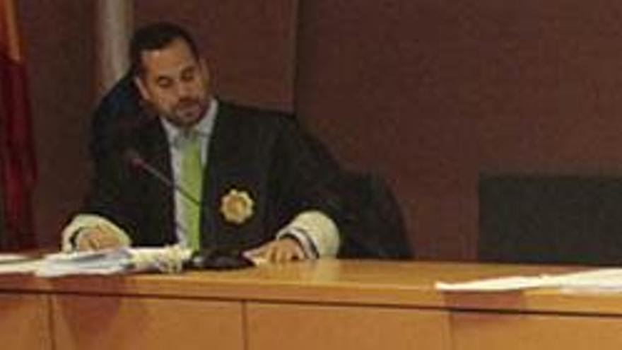 El fiscal Ignacio Stampa (izqda.) y José Montelongo (dcha.), en el juicio de una pieza del caso Unión.