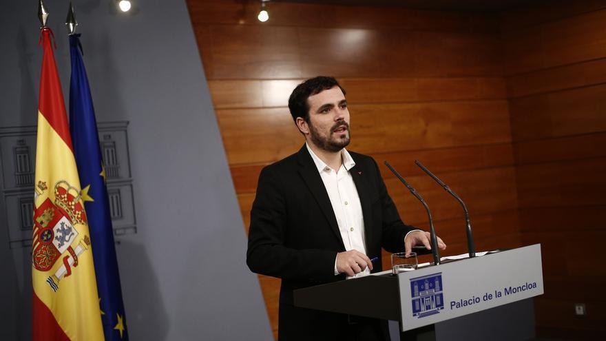 """Alberto Garzón rechaza sumarse al """"teatro"""" de pacto de Estado que plantea Rajoy ante la crisis catalana"""