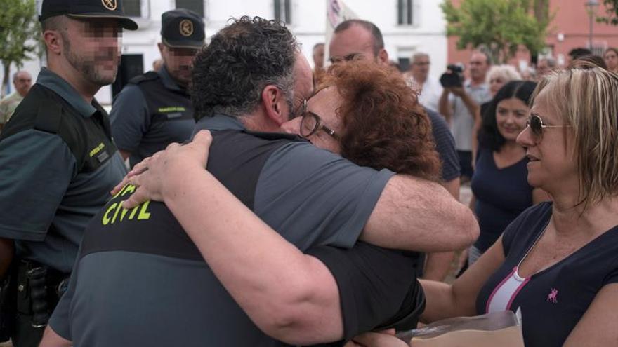 Cientos de personas piden justicia para las víctimas del crimen de Almonte