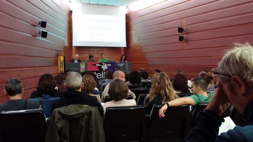 """STE-EILAS denuncia """"el retroceso"""" que supondrá para el euskera el proyecto 'Heziberri' del Gobierno vasco"""