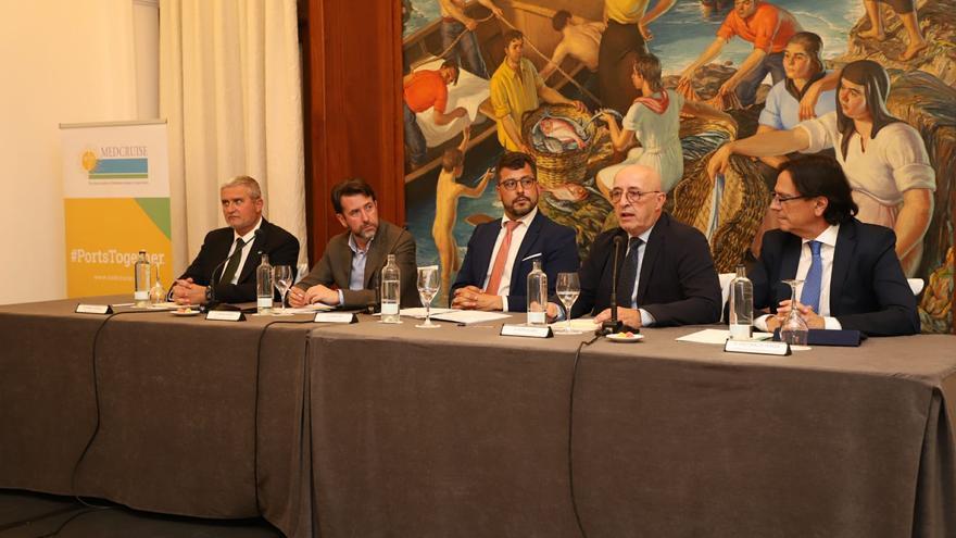 Presentación previa a la reunión del consejo de administración de MedCruise, en el hotel Mencey de la capital tinerfeña