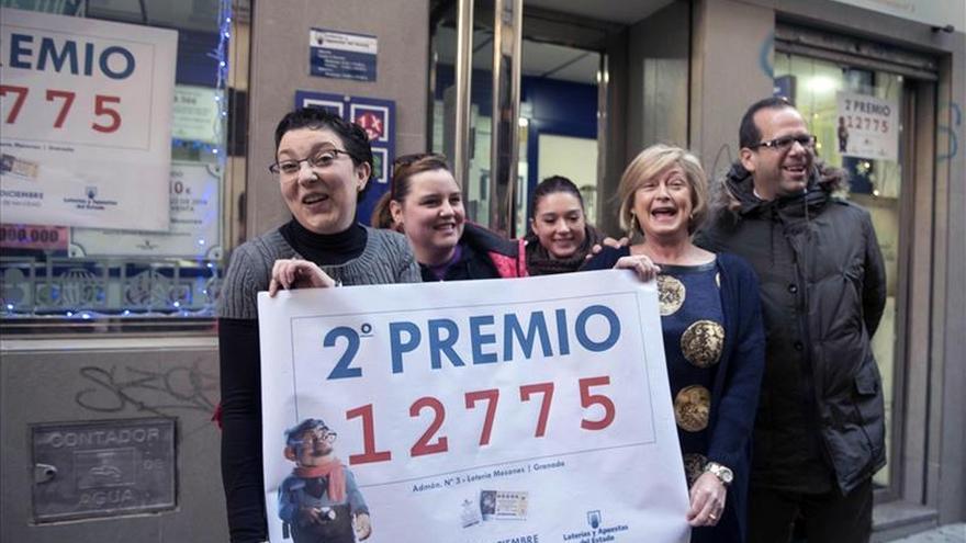 El segundo premio deja 1,2 millones en Granada, que también recibe un quinto
