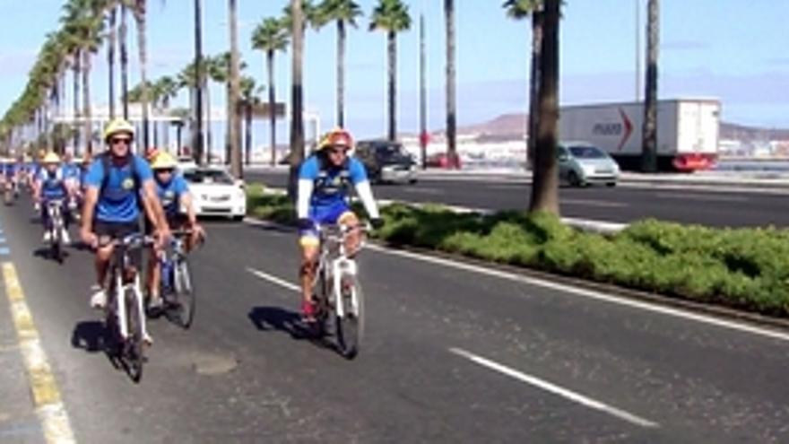 Protesta de los bomberos en bici.