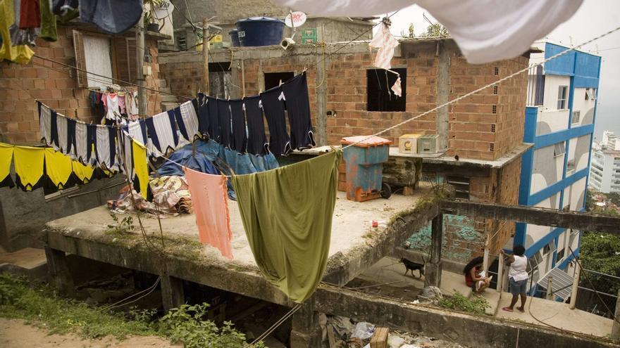 La expulsión de narcos permite el avance social en las favelas de Río, según un estudio