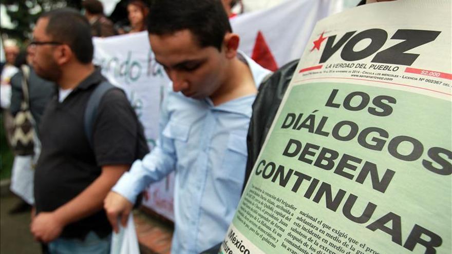 Unas 300 personas piden en Bogotá la reanudación de los diálogos de paz