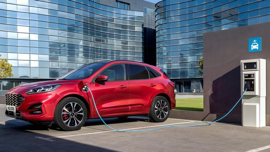 El nuevo Ford Kuga contará con una versión híbrida enchufable.