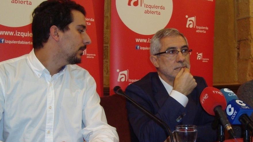 """Gaspar Llamazares entiende que el ciudadano """"se tape la nariz"""" porque la política """"huele que apesta"""""""