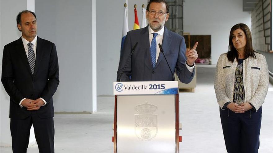Rajoy garantiza fondos para Valdecilla, buque insignia de la sanidad española