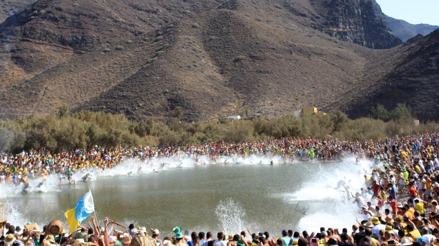 Fiesta del charco, en La Aldea de San Nicolás. (Cirenia Vico)
