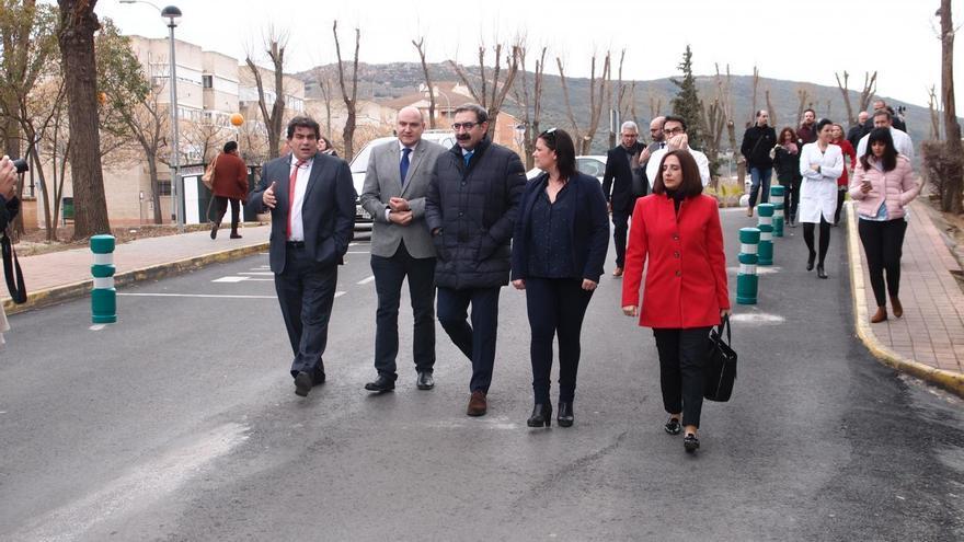 Jesús Fernández (en el centro) visitaba hoy Puertollano