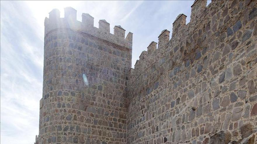 La muralla de vila recupera un pozo de nieve del xvi como for Mural nuestra carne