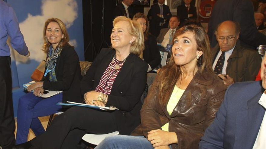 Sánchez Camacho avisa a Mas de que los catalanes ya tienen una Constitución