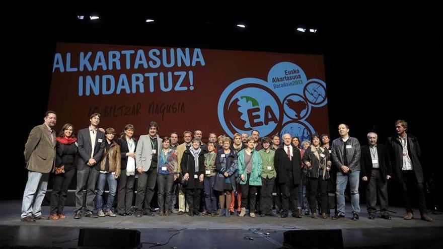 Urizar, reelegido al frente de EA, apuesta por la independencia unilateral