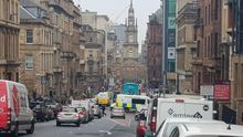 Seis personas heridas de gravedad en un apuñalamiento múltiple en el centro de Glasgow