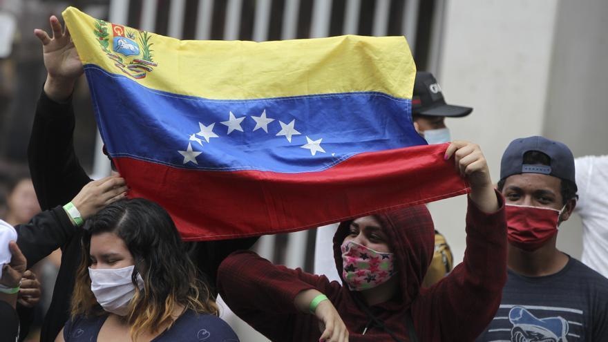 Cientos de venezolanos regresarán desde Trinidad y Tobago por el desempleo