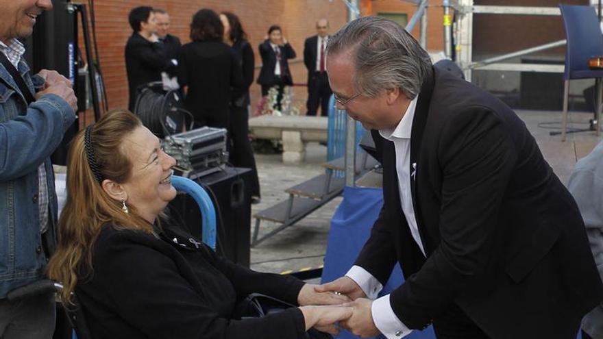 Las estaciones de El Pozo y Santa Eugenia recuerdan a las víctimas del 11M
