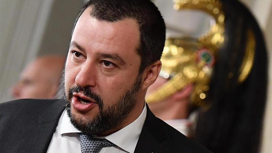 Salvini propone a M5S una reunión con la derecha para negociar el gobierno en Italia