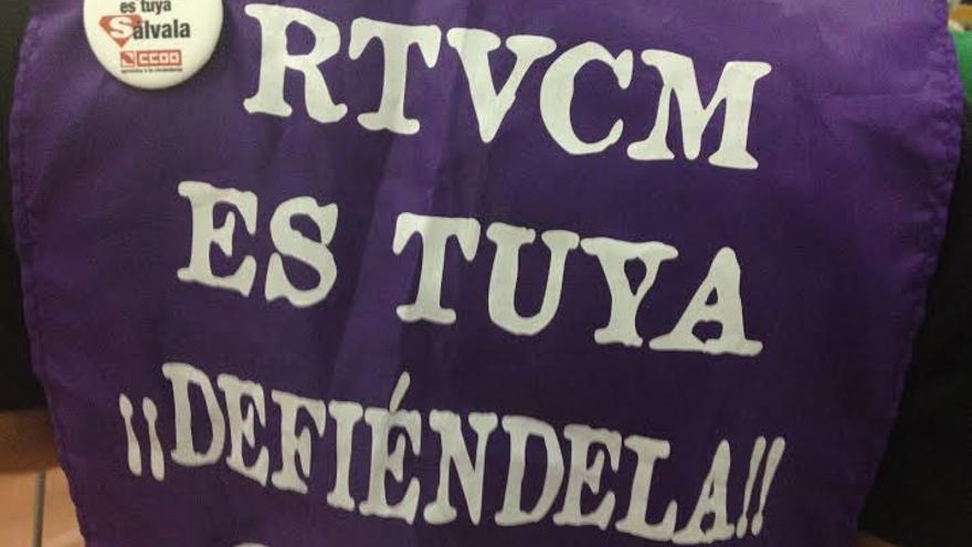 Cartel en defensa de Radiotelevisión Castilla-La Mancha / Foto: Javier Robla