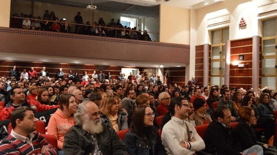 Asistentes a la conferencia dada por Alberto Garzón y Ramón Trujillo en la Universidad de Las Palmas de Gran Canaria. FOTO: Iago Otero Paz.