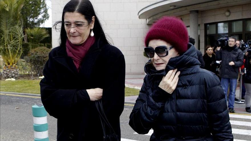 """Nuria Espert dice que Guillén """"deja mucho cariño y una familia maravillosa que lo adora"""""""
