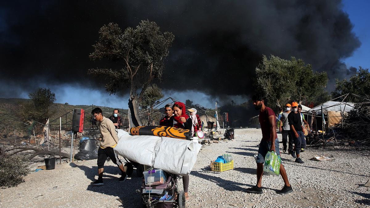 Refugiados en el campo de Moria, en Grecia.