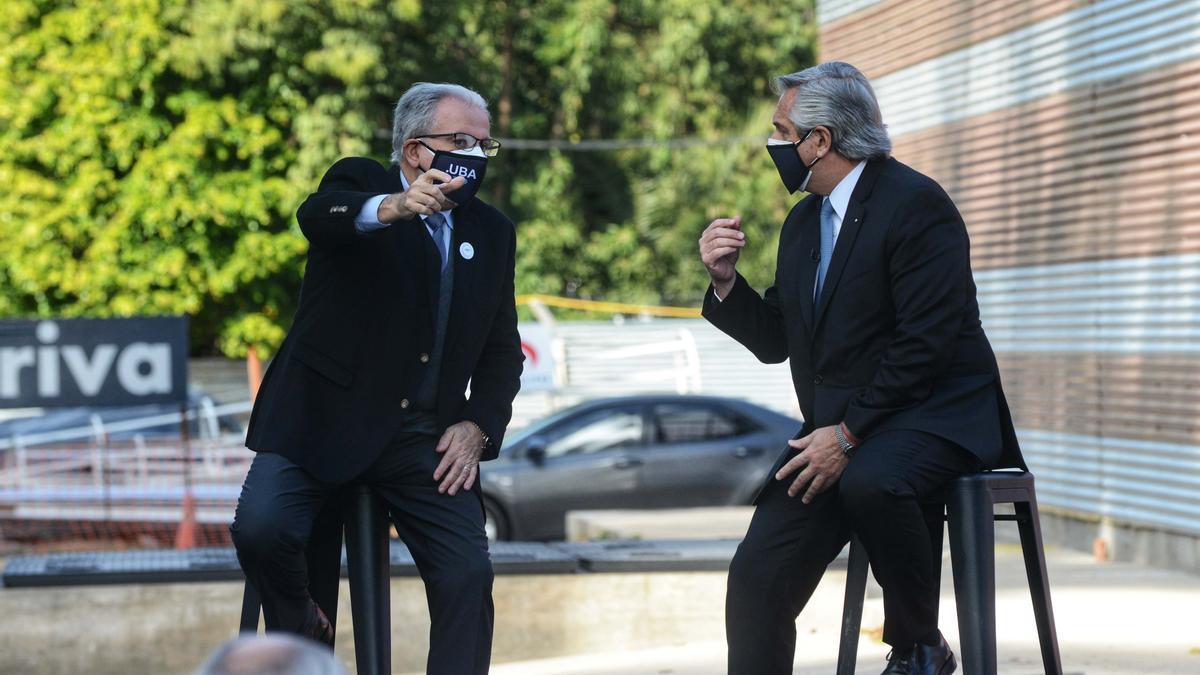 El presidente Alberto Fernández recorrió este mediodía el Centro Argentino de Protonterapia (CeArP).