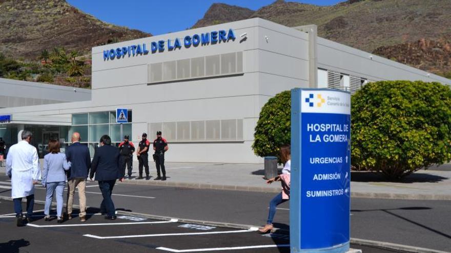 La Gomera pide reducir los desplazamientos e impulsar el teletrabajo por el aumento de los contagios de COVID-19
