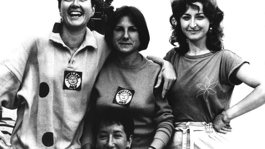 Marta, Petra (abajo), Juana y Pepa, en una imagen de jóvenes