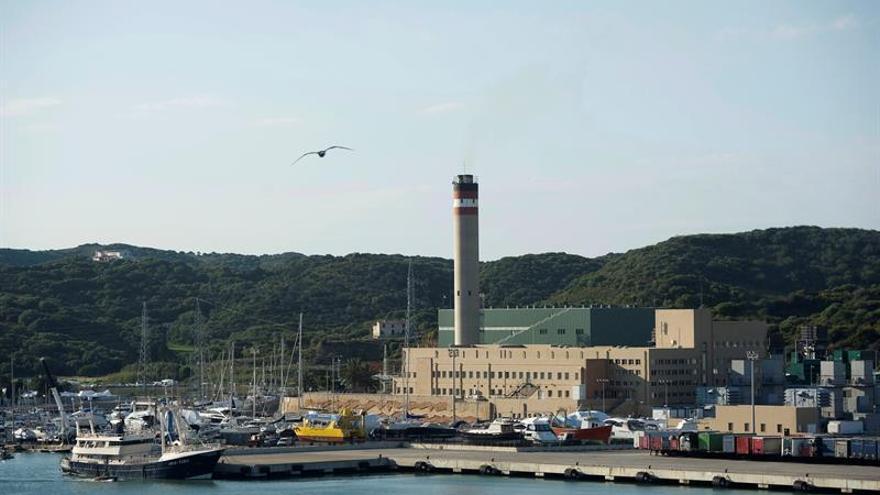 El GOB exige explicaciones ante la negativa de reconversión de la central térmica de Mahón