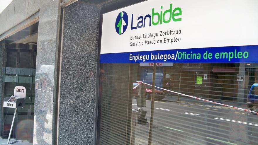 El paro se reduce en Euskadi en 1.066 personas en el mes de marzo y se sitúa en 138.157 desempleados