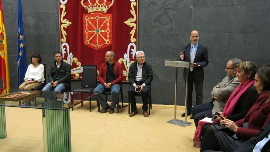 El Parlamento de Navarra reconoce los 20 años de trabajo de la Red de Lucha contra la Pobreza