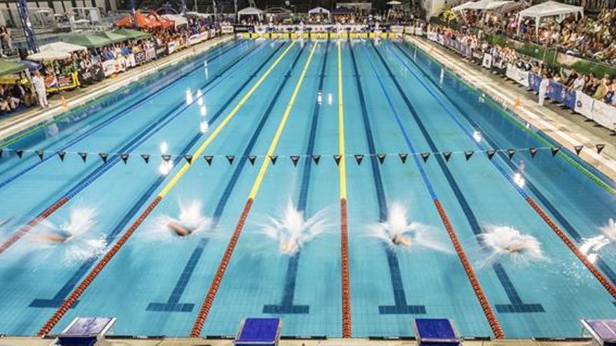 El Real Canoe ha conseguido esta noche el récord de España de clubes en la prueba de 4x100 con un tiempo de 3:20.36. Efe