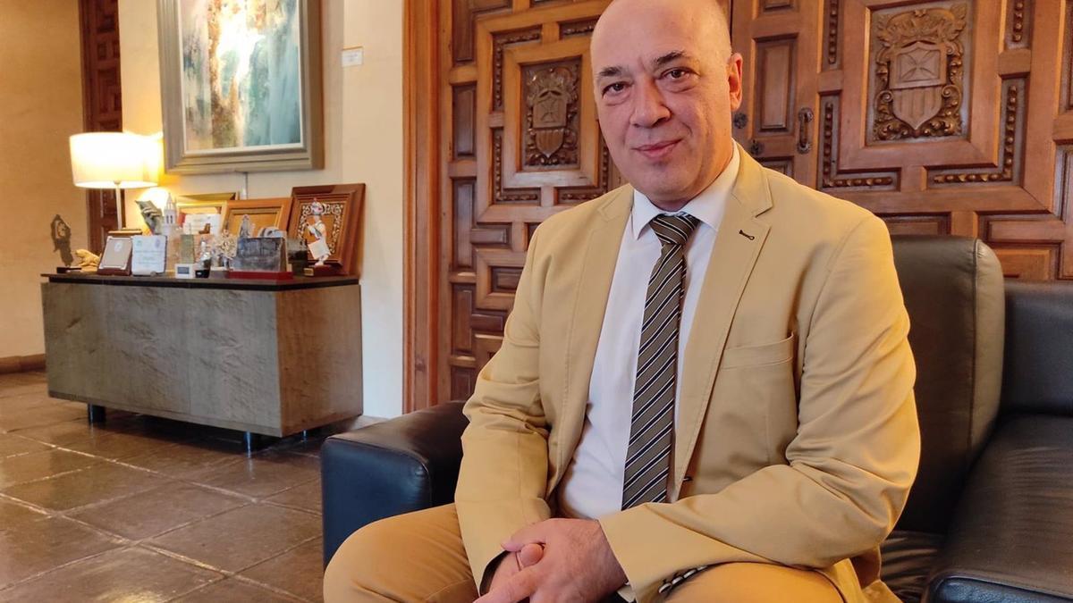 El alcalde de Rute y presidente de la Diputación, Antonio Ruiz.