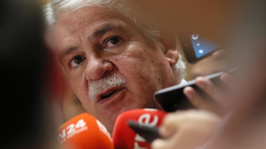 """Dastis apuesta por """"incrementar la presión hacia el régimen"""" venezolano"""
