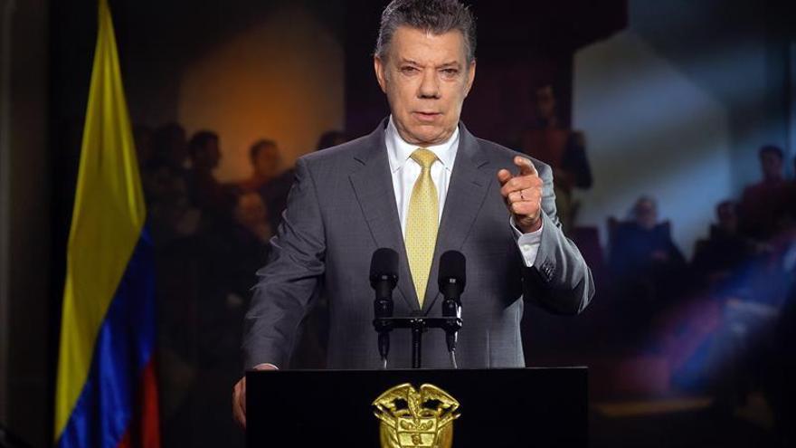Santos celebra baja histórica en indicador de riesgo de economía colombiana