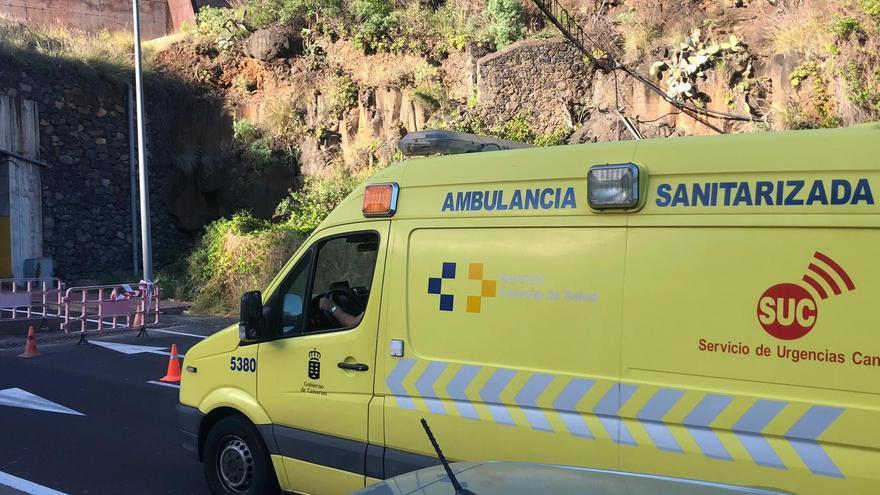 Un joven de 20 años resulta herido al sufrir un accidente de moto en Candelaria
