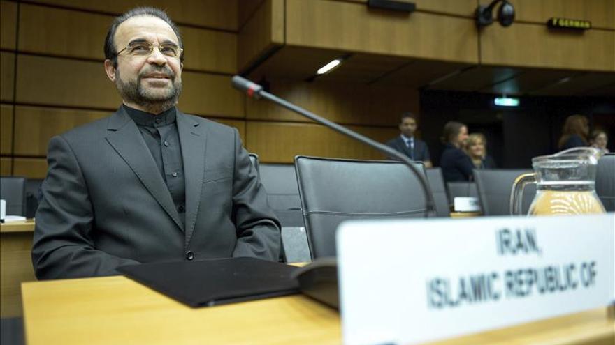 Irán dice que congelará sus actividades nucleares a partir de enero