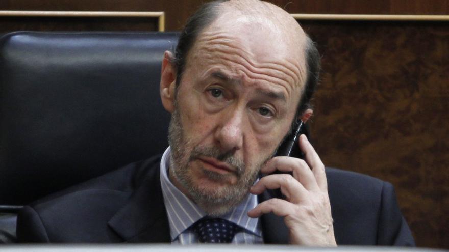 """Rubalcaba confirma que hablará con Rajoy sobre la renovación del CGPJ porque hace falta """"negociar y pactar"""""""