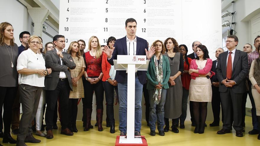 """Pedro Sánchez recalca a Mas que no hay """"nada más antidemocrático"""" que """"romper la ley"""""""